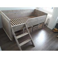 KSM-steigerhout - Bed ''Sharon'' met fruitkistjes van steigerhout